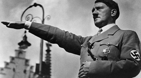 Adolf Hitler Kimdir