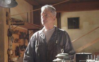 NCIS hayranları, Mark Harmon'un yeni sezon teaser fragmanında tam güçle geri dönmesiyle seviniyor